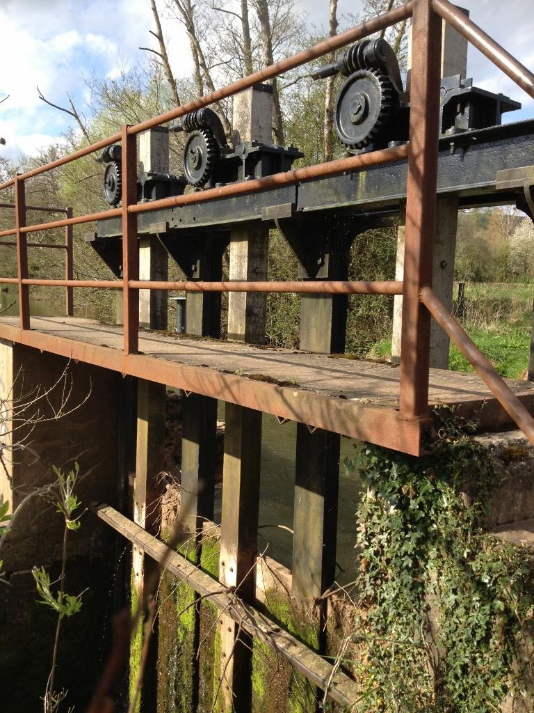 Sluice gate at Osbaston hydropower scheme