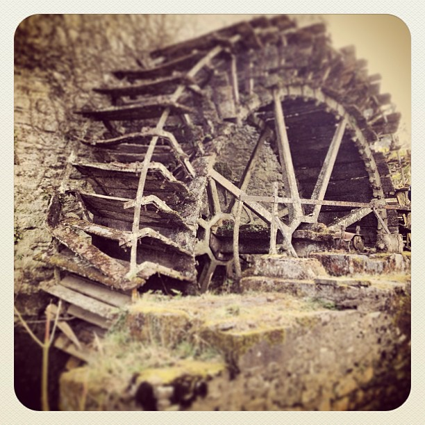 Wordless Wednesday ~ The Old Mill Wheel!